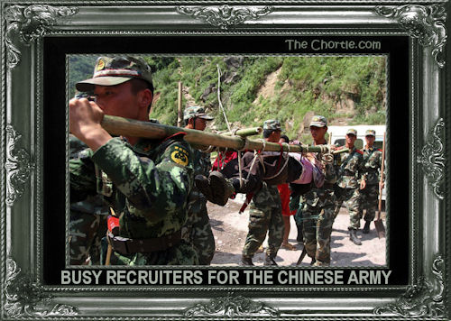 Busy recruiters for the Chinese army
